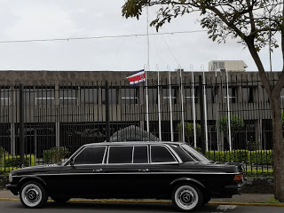 Presidential-Palace-of-the-Republic-of-Costa-Rica.-MERCEDES-300D-LIMOUSINE-SERVICE46e7896a873e9808.jpg